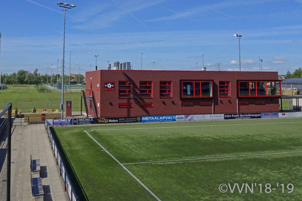 Het duurzame nieuwe clubgebouw van Voetbalvereniging Nieuwerkerk